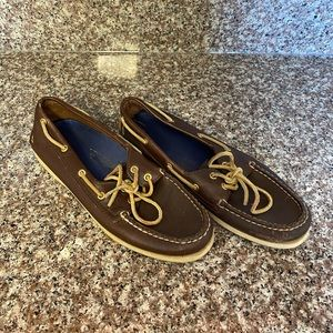 Women's Sperry Gold Cup Collection size 9